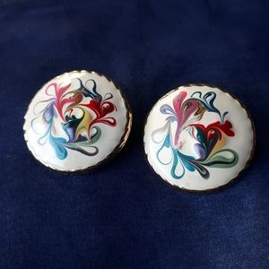Vintage Round Multi Color Swirl Clip-on Earrings